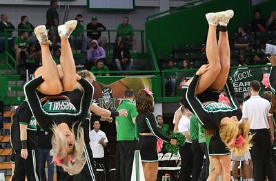 cheerleaders2973