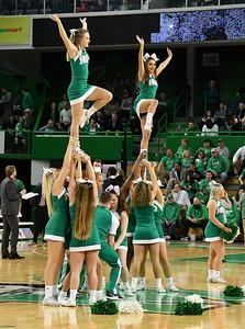 cheerleaders0813