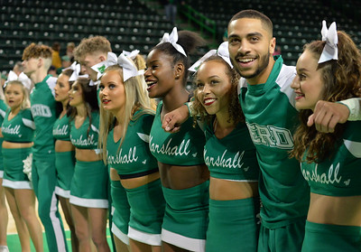 cheerleaders9048