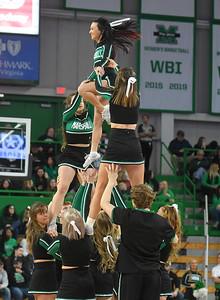 cheerleaders2403