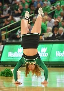 cheerleaders2518