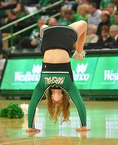 cheerleaders2517