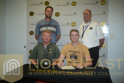 2015-05-06  BB Josh Peterson Signs with North Georgia