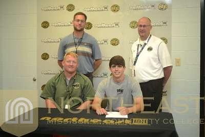 2015-05-06 BB Scott Pala Signs with Christian Brothers