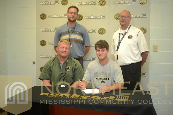 2015-05-06  BB Trent Turner Signs with Memphis