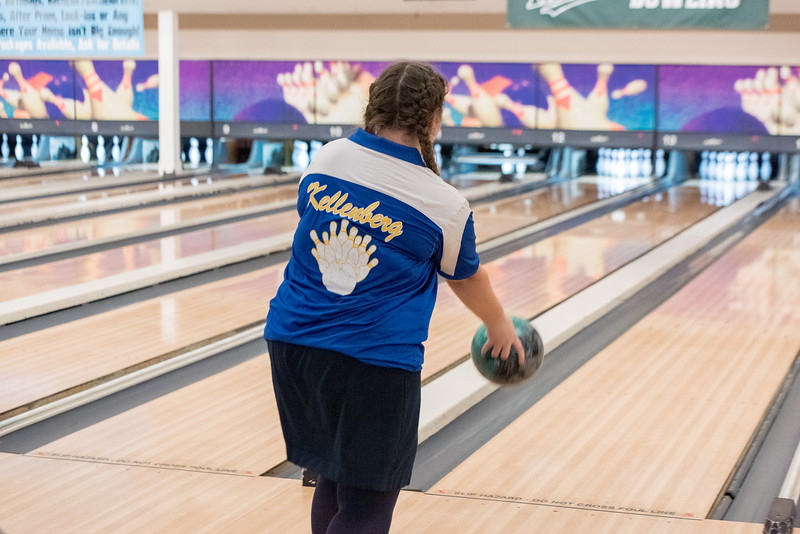 20191121- Varsity Bowling - 015