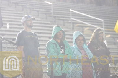 2017-09-21 FANS Fans during rain at football game