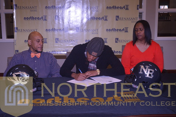 2014-12-17 FB Ralph Green Signs with Northwestern State