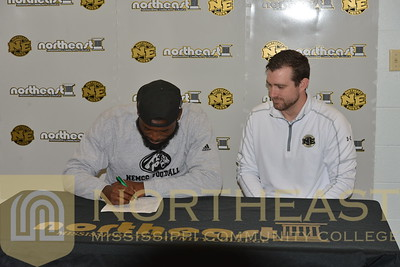 2016-02-03 FB Kendrick Doss Signs with Jacksonville State