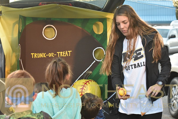 2017 10 25 Fb Football At First Baptist Church Trunk Or Treat