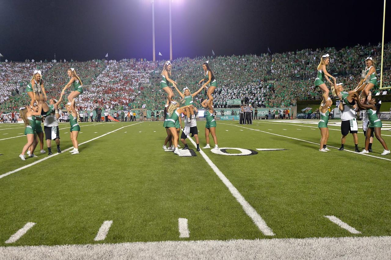 cheerleaders6202