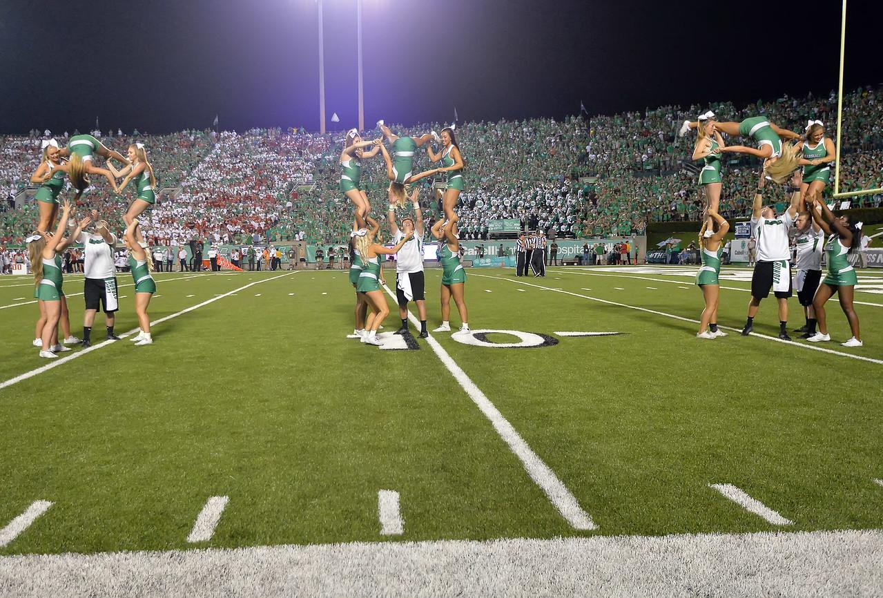 cheerleaders6198