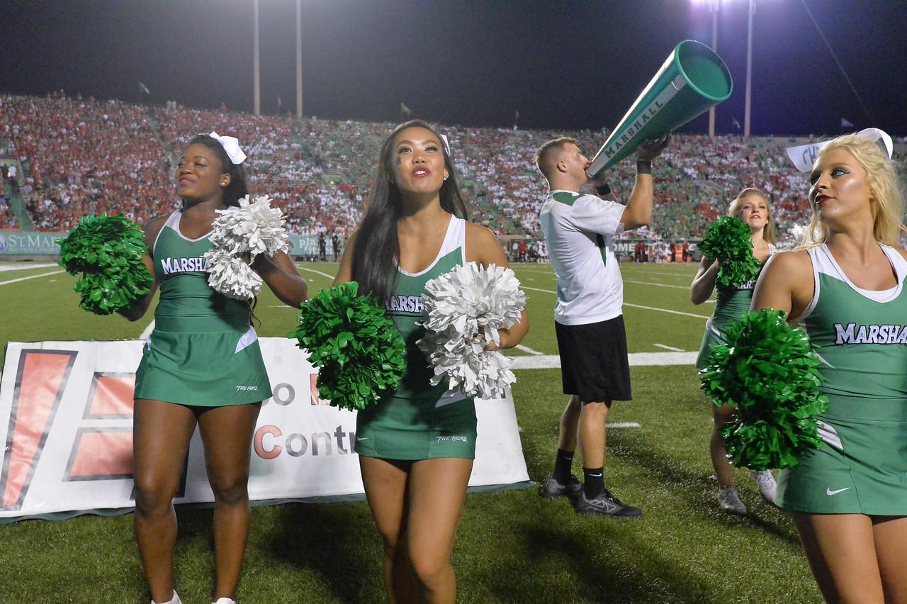 cheerleaders7086
