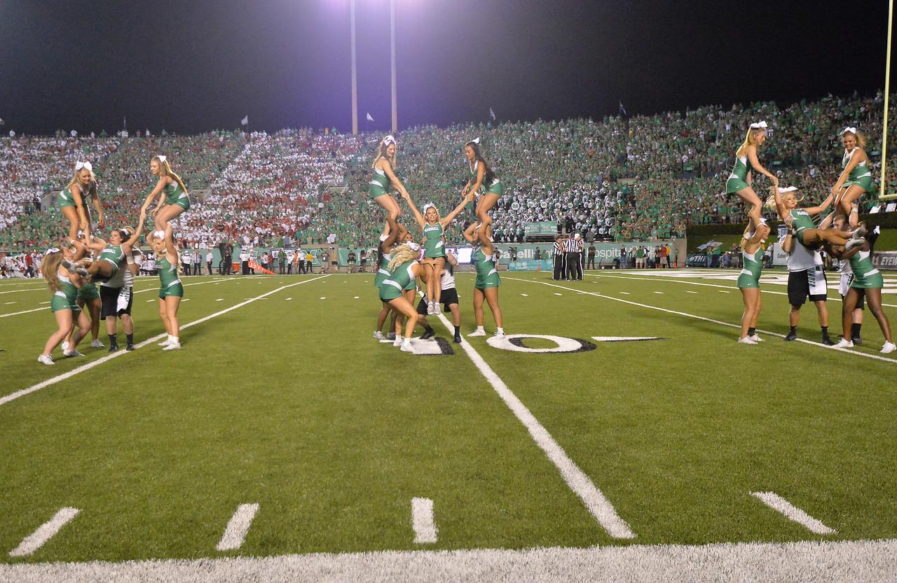 cheerleaders6203