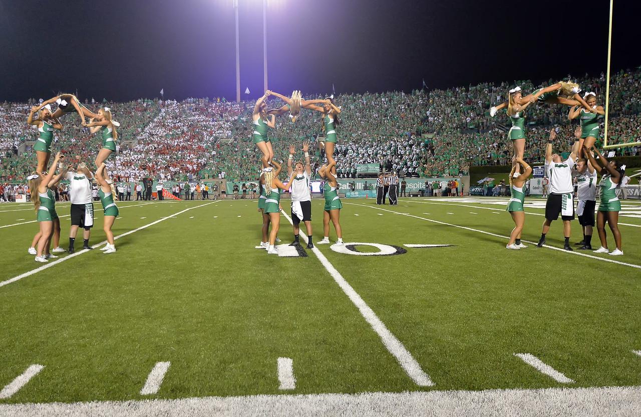 cheerleaders6196