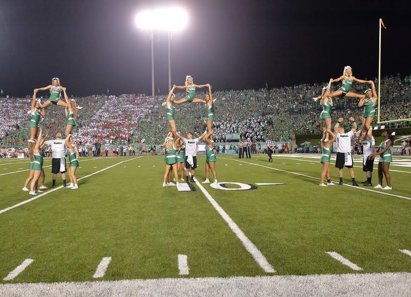 cheerleaders6187