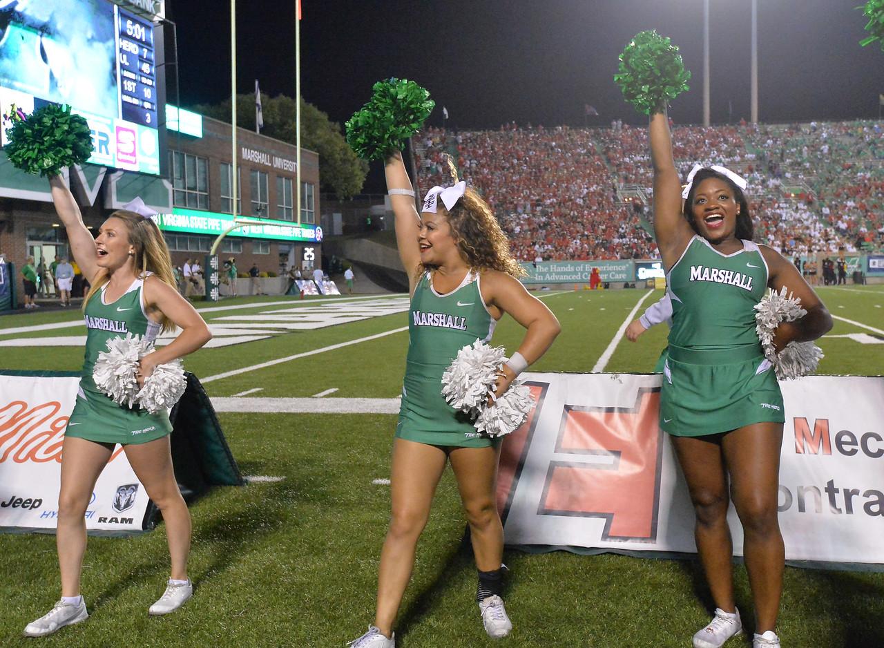 cheerleaders7081