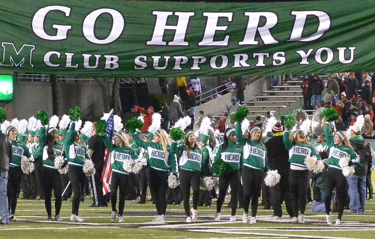 cheerleaders8663