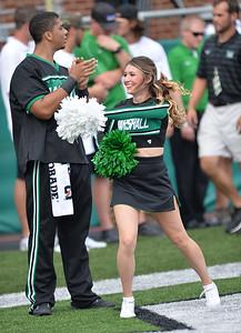 cheerleaders8041