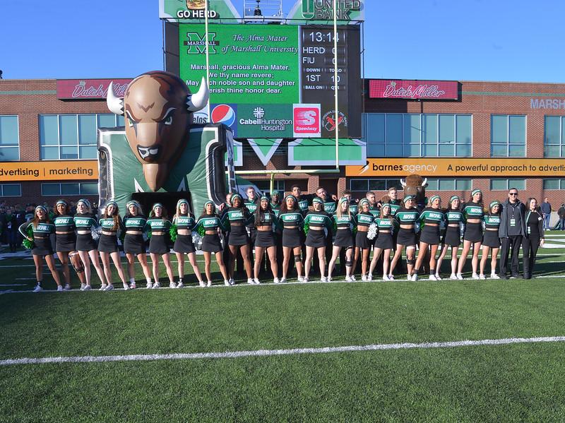 cheerleaders6148