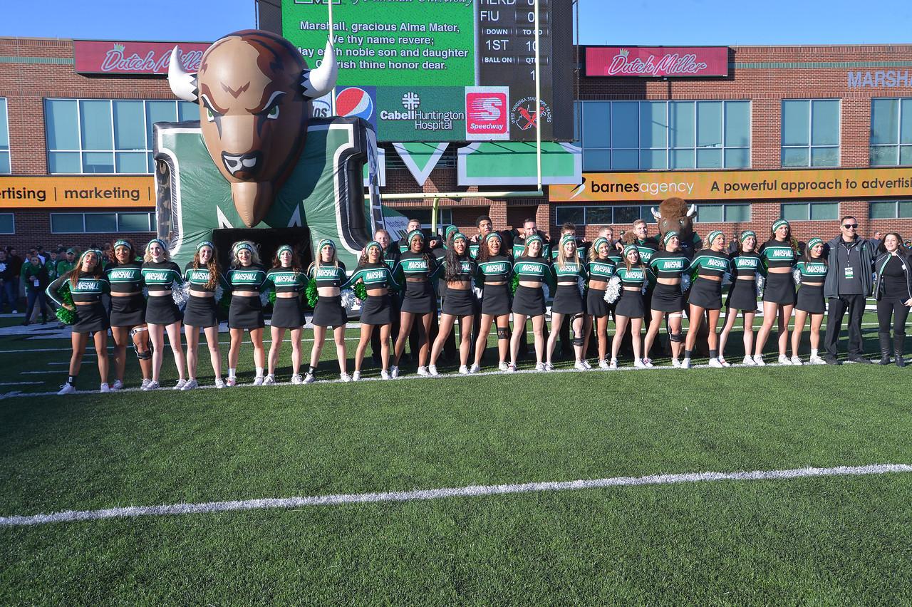 cheerleaders6142