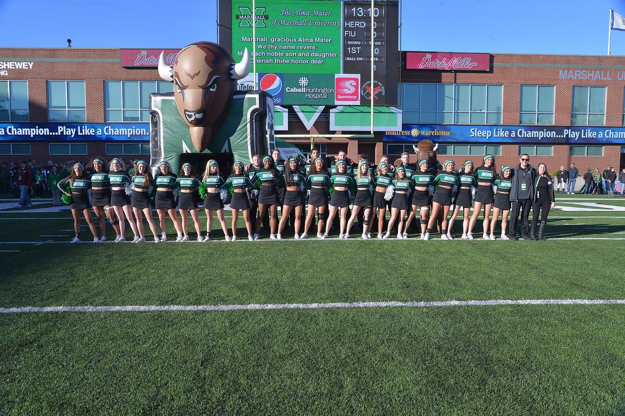 cheerleaders6154