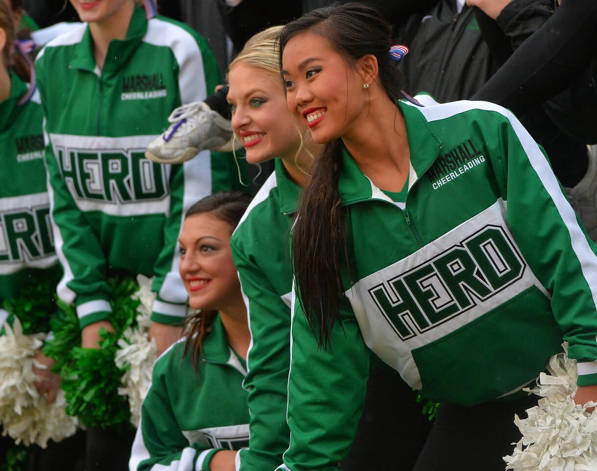 cheerleaders3489