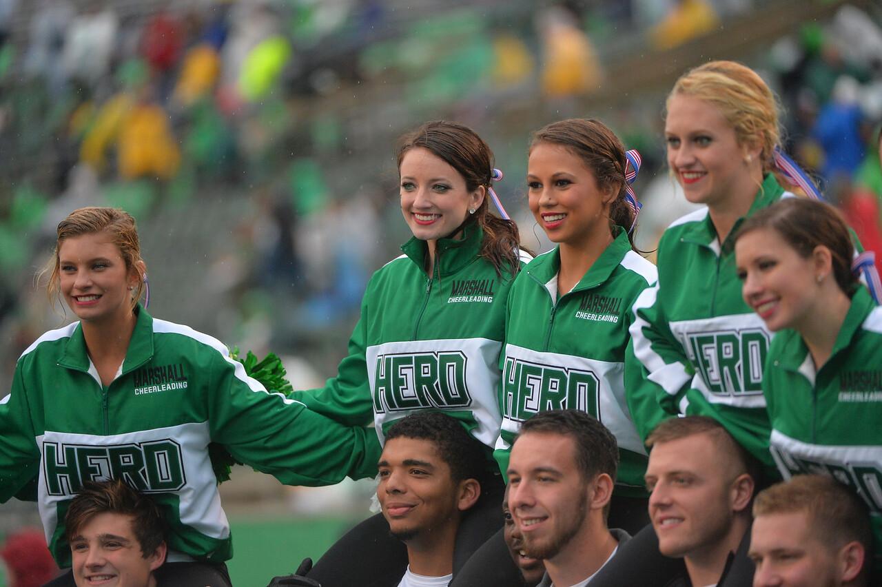cheerleaders3508