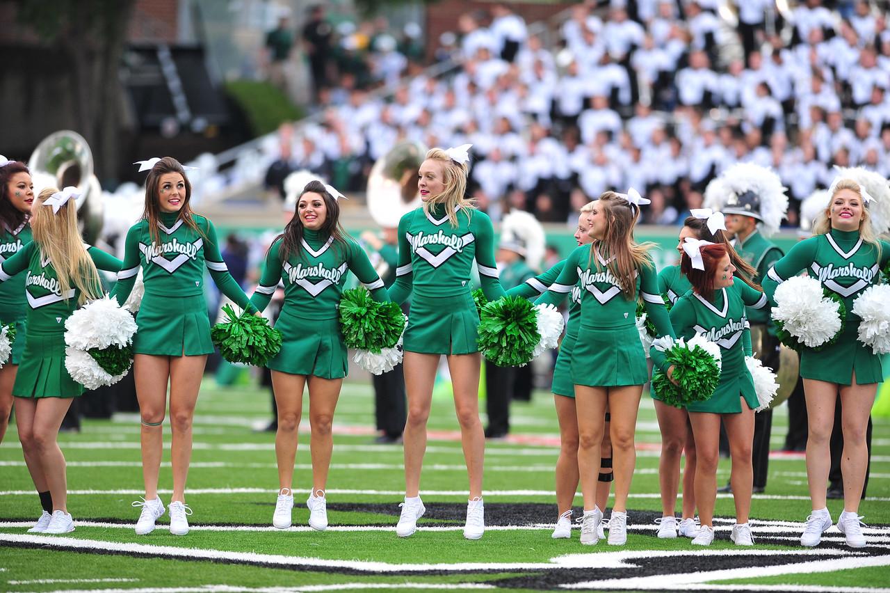 cheerleaders3821