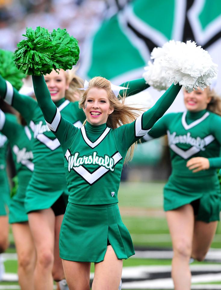 cheerleaders3832