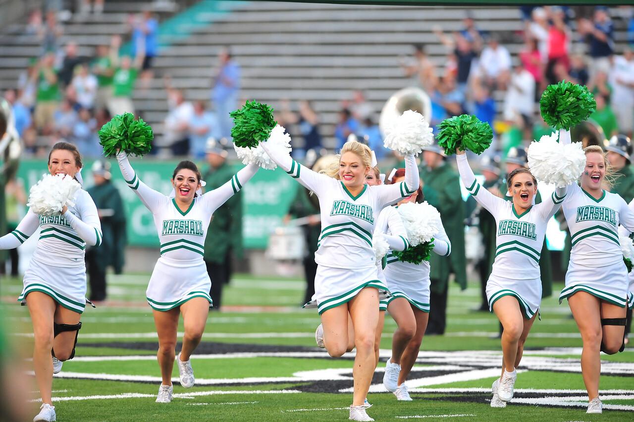 cheerleaders1106