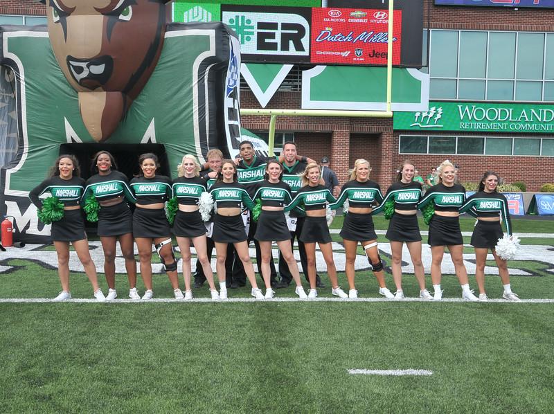 cheerleaders3915