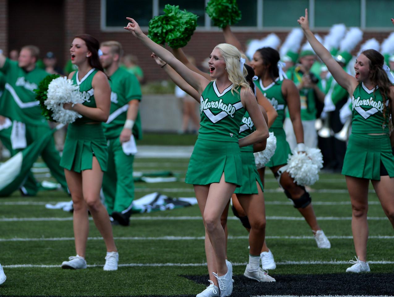 cheerleaders8421