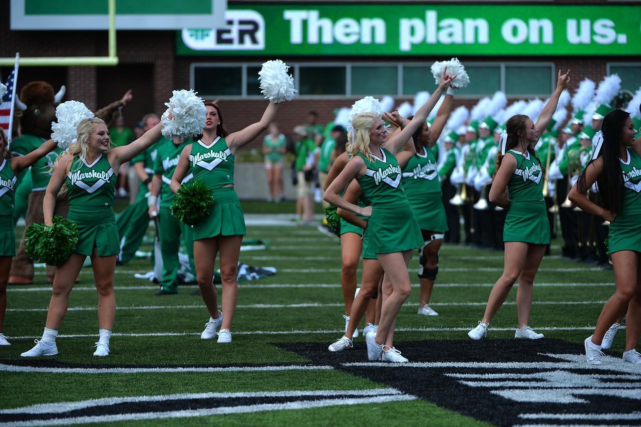 cheerleaders8422