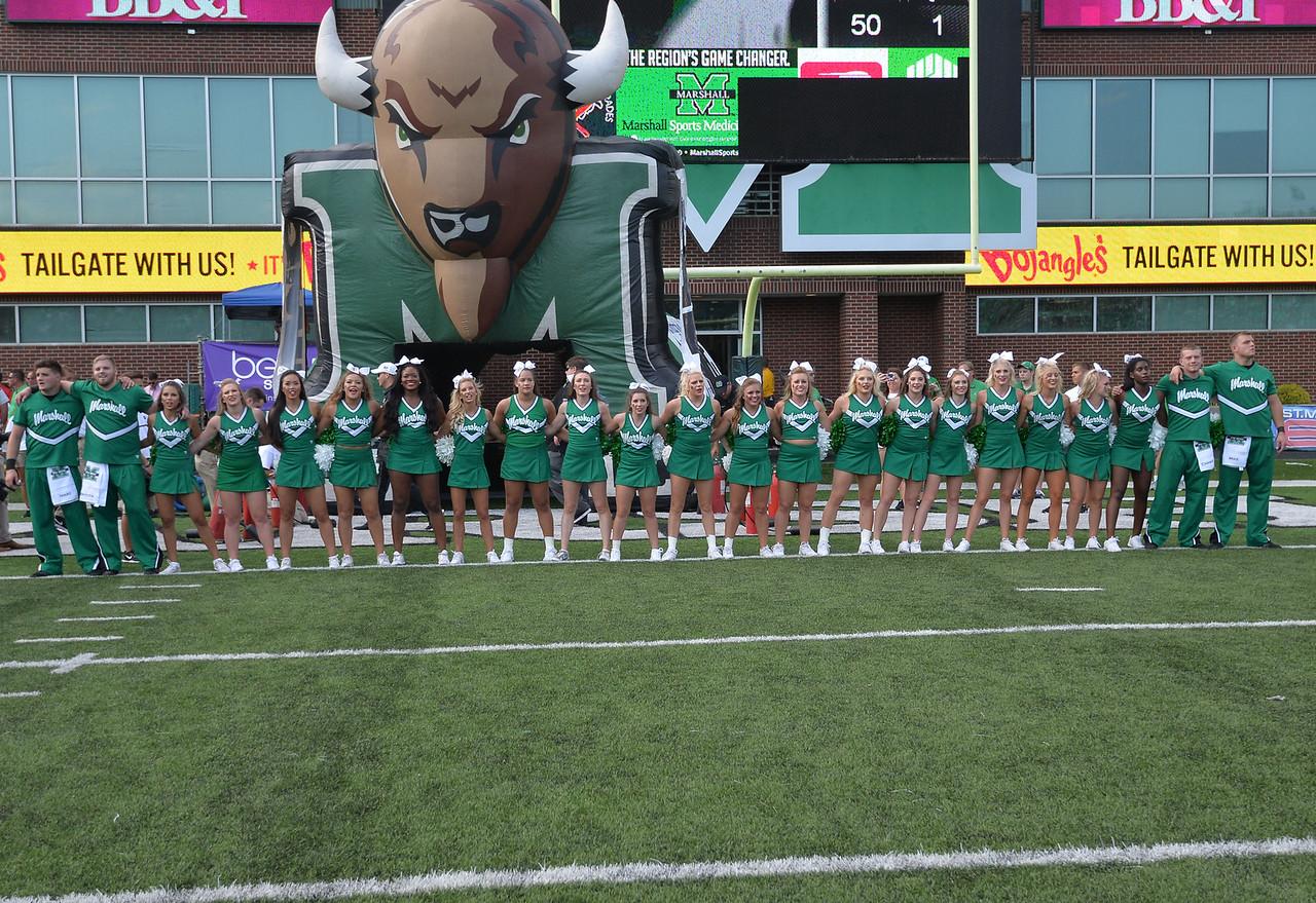 cheerleaders0134