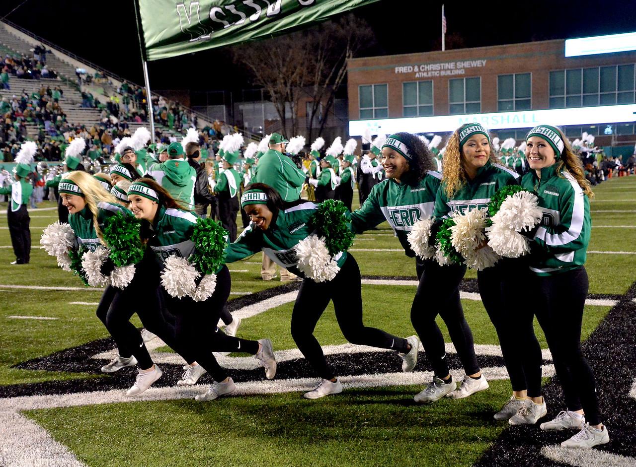 cheerleaders0852
