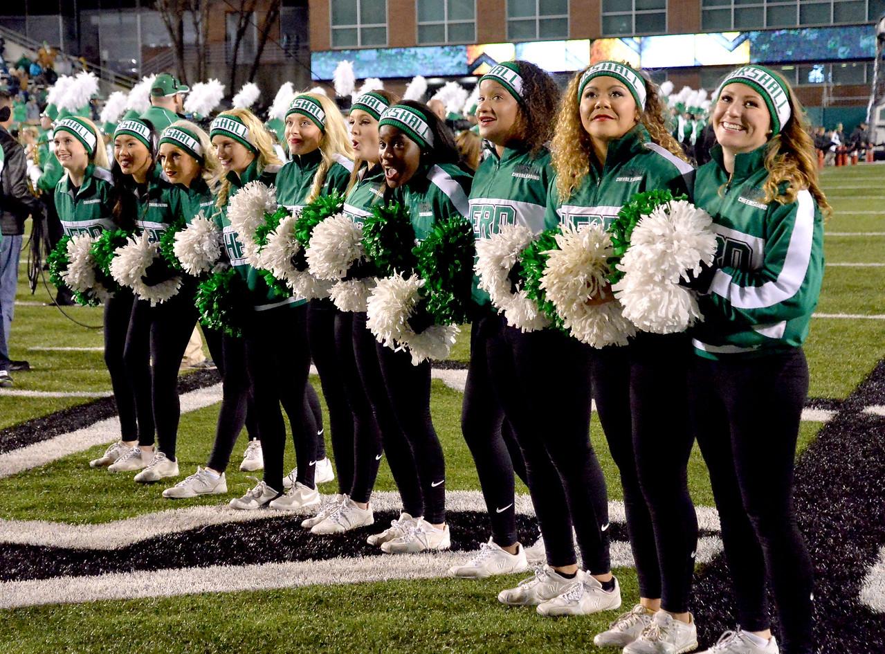 cheerleaders0846