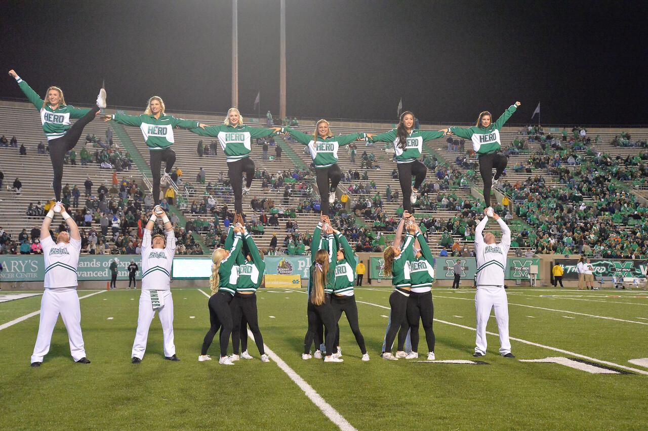 cheerleaders1477