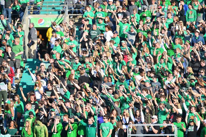 crowd0824