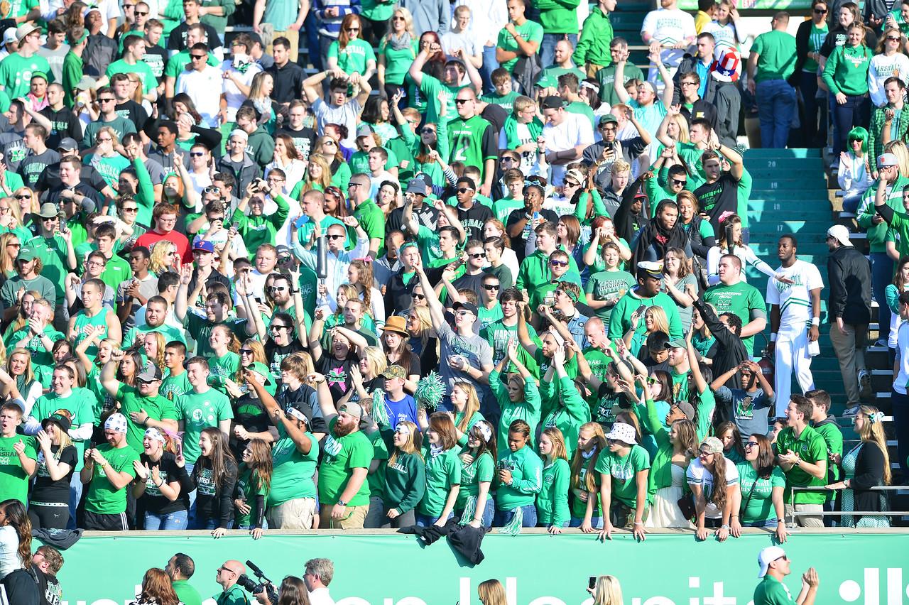 crowd0735