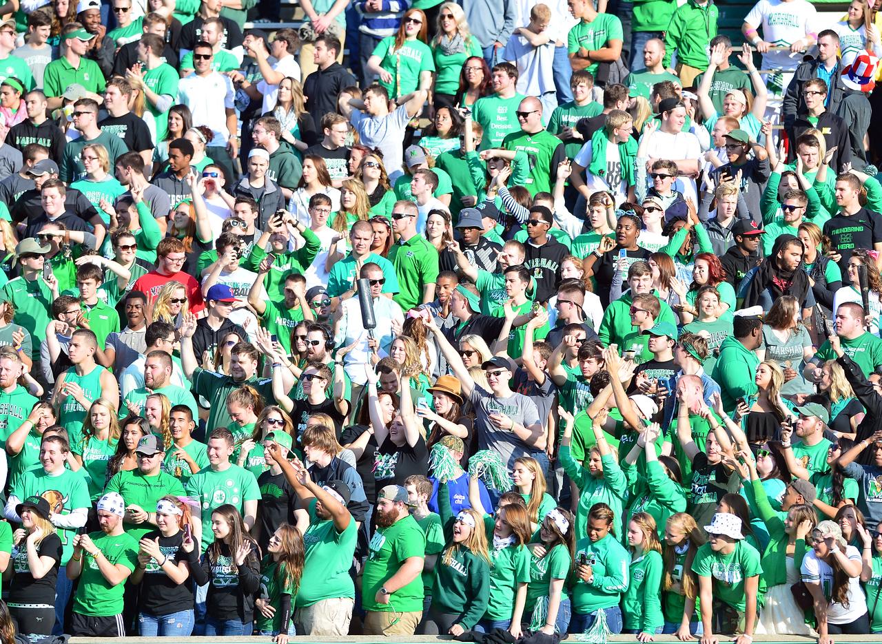 crowd0740
