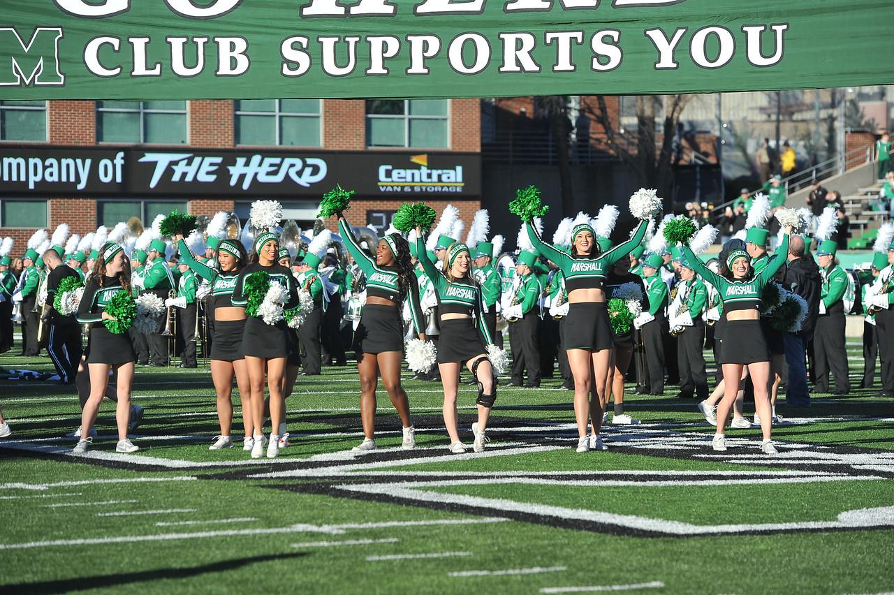 cheerleaders7313