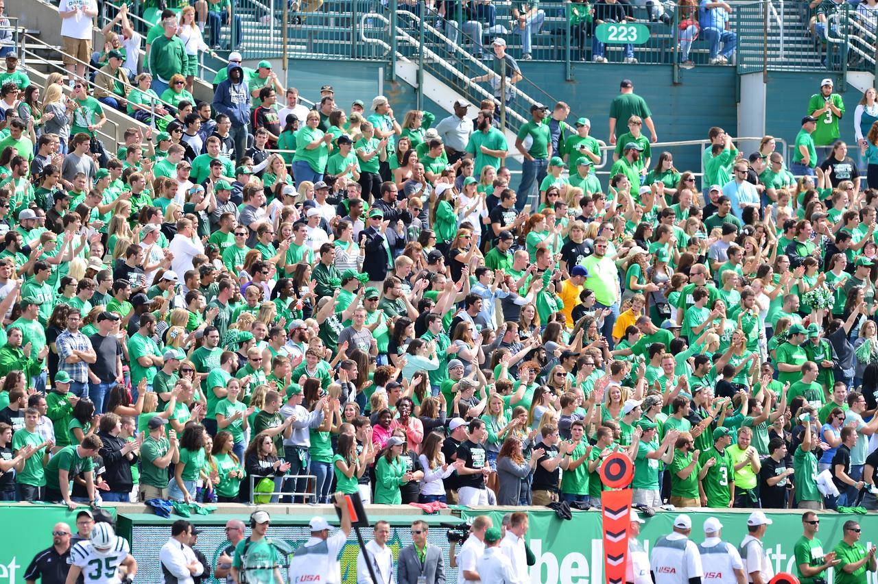 crowd5132