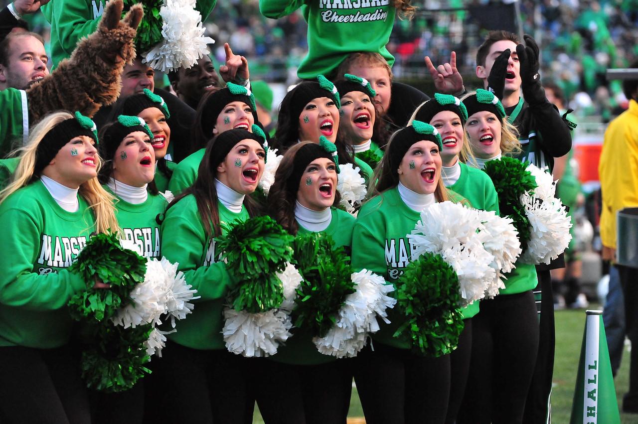 cheerleaders4072