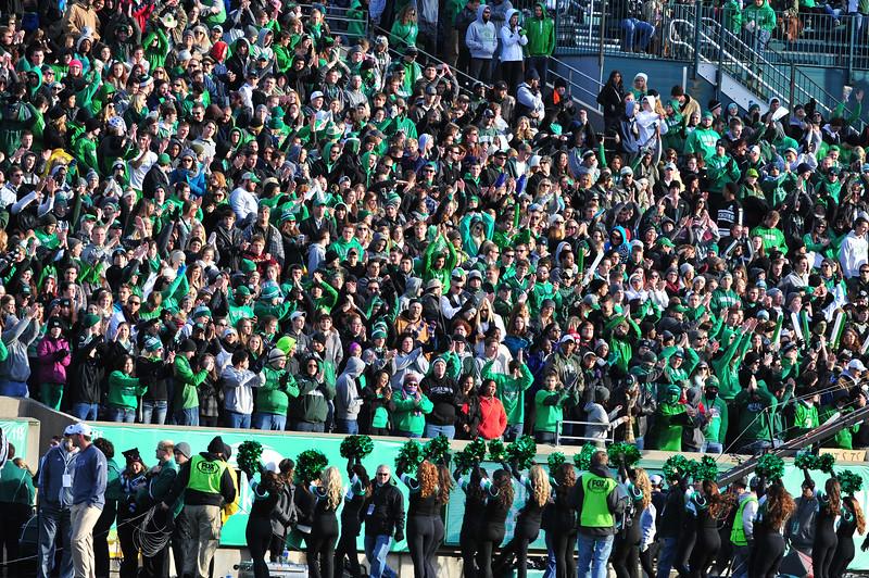 crowd3743