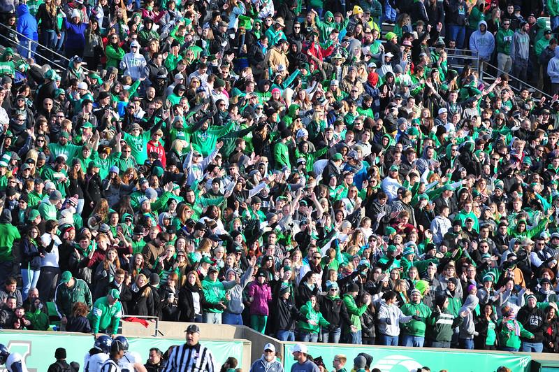 crowd3737