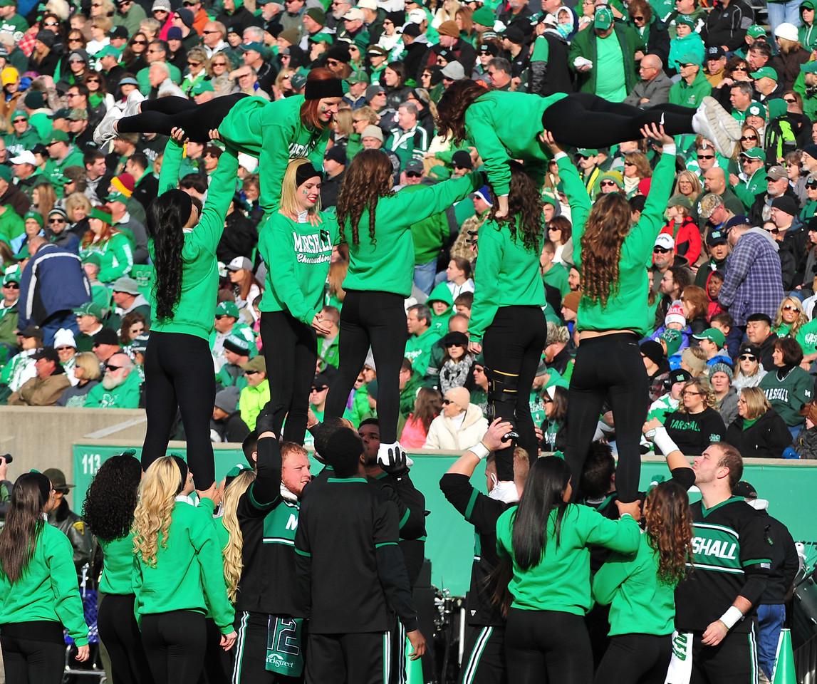 cheerleaders3335