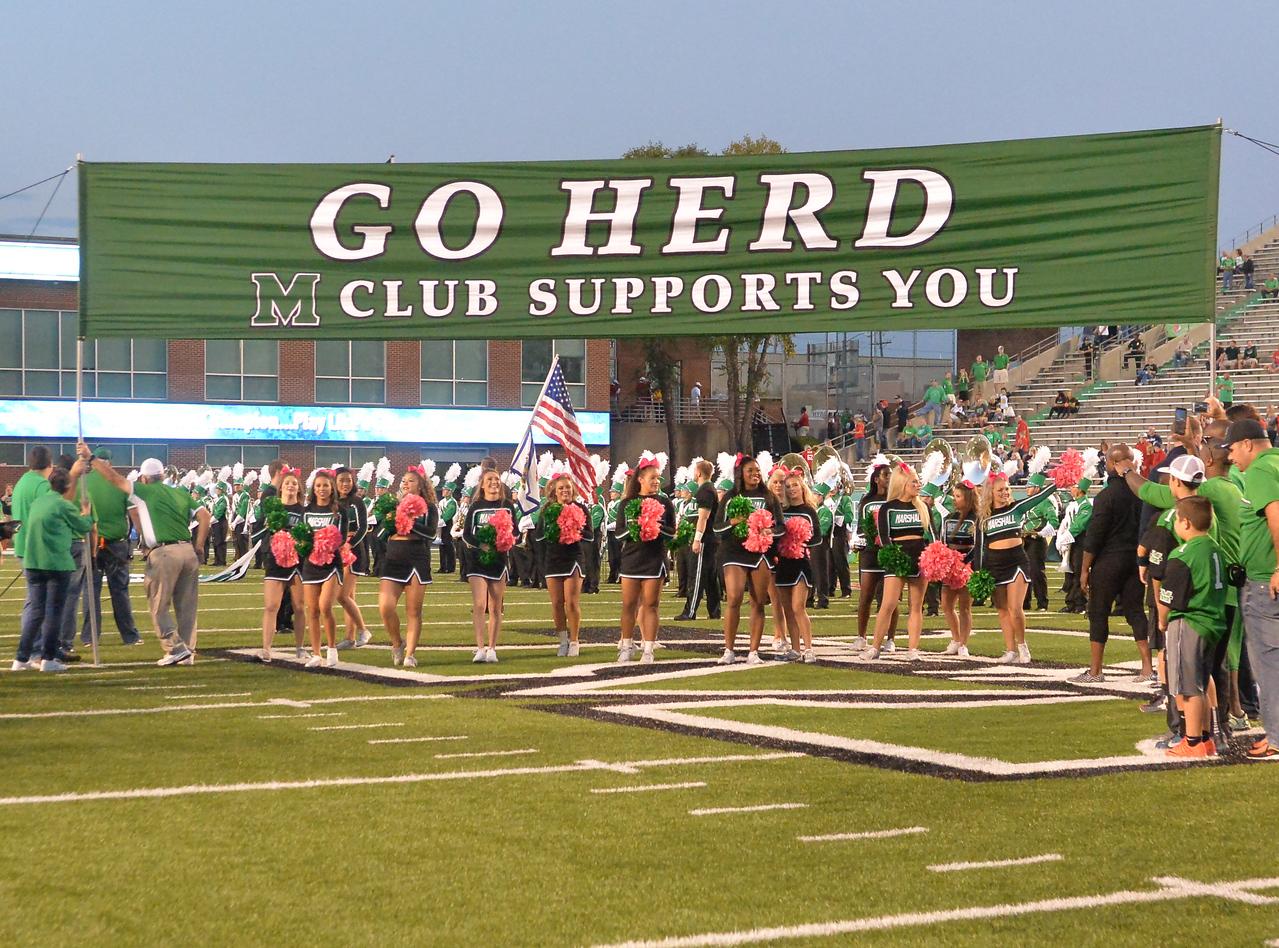 cheerleaders6453