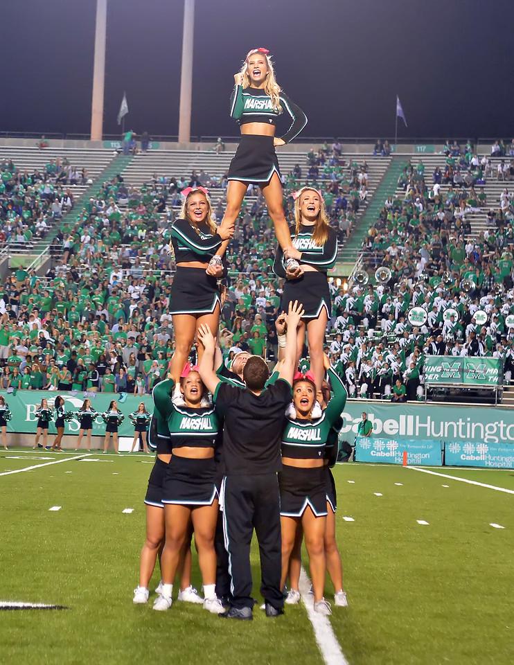 cheerleaders7006