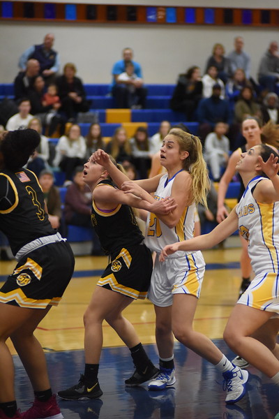 20200110 - Girls Varsity Basketball - 013
